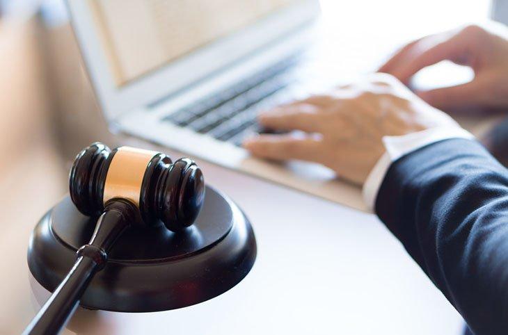 El procurador puede reducir el tiempo de espera y el impacto económico negativo que puede causar la demora en la ejecución de la sentencia