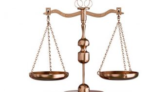 Imagen balanza de la justicia para introducir el post enlaces de interés durante el estado de alarma por coronavirus
